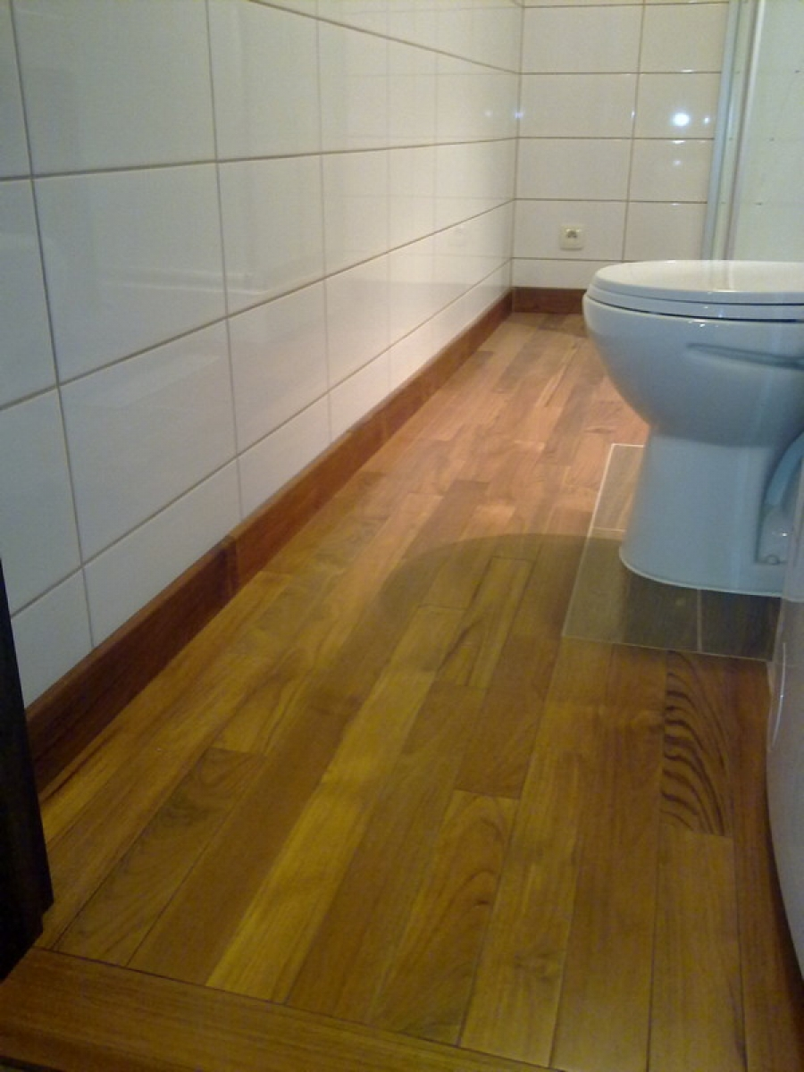 Zamość Parkiet Teak Lakierowany łazienka Drewniane